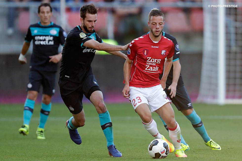 Bart Ramselaar vies for the ball with Davy Pröpper earlier this season