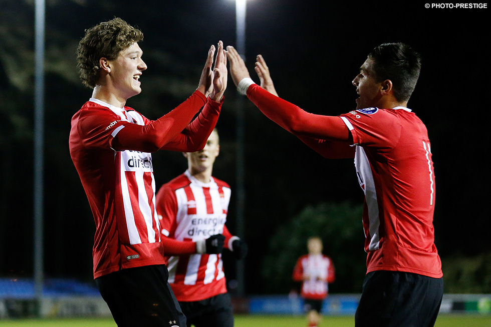 Sam Lammers celebrates scoring his sixteenth goal of the season. Jöel Piroe (pictured right) delivered the assist. He made it 3-0 on 24 minutes.