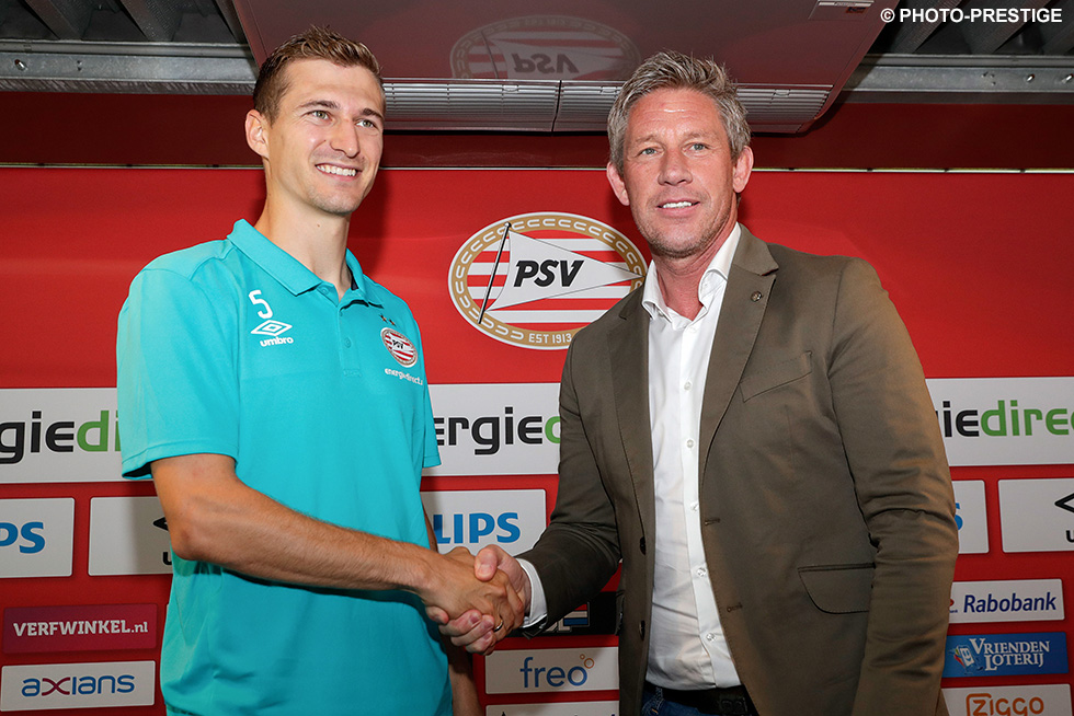 It's a deal done: Daniel Schwaab is a PSV player the next three seasons  | © Photo-Prestige