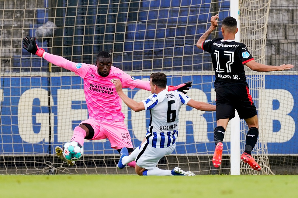 Psv Nl Psv Secure Convincing 4 0 Win Over Hertha Bsc