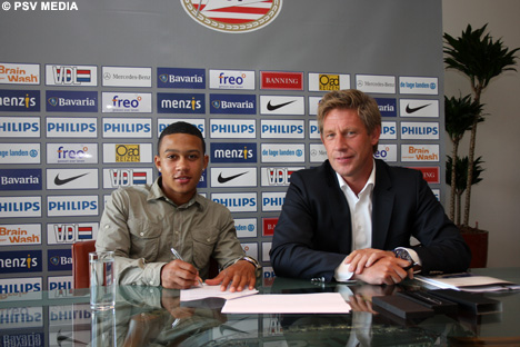 Memphis Depay signed a new three-year contract.