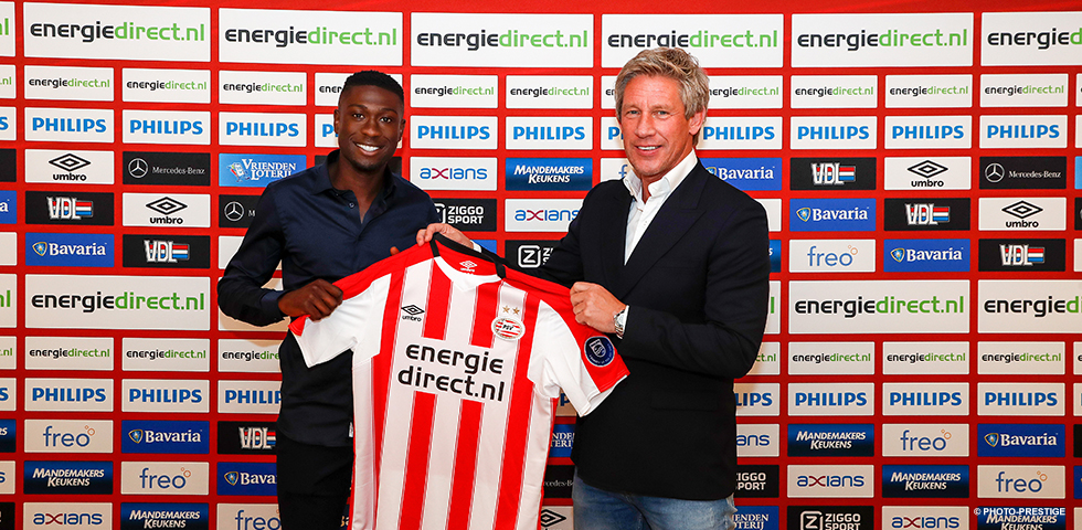 Derrick Luckassen joins PSV from AZ on a five-year deal