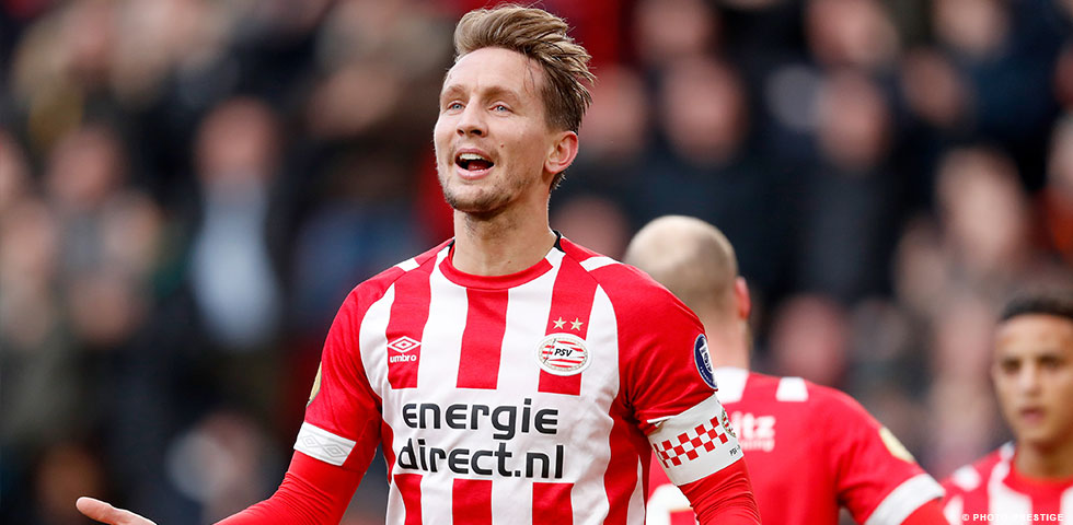 Luuk de Jong joins PSV 100 club