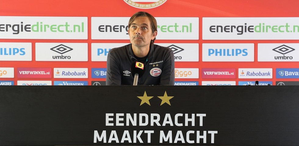 Cocu: 'AZ play football with a recognisable brand'