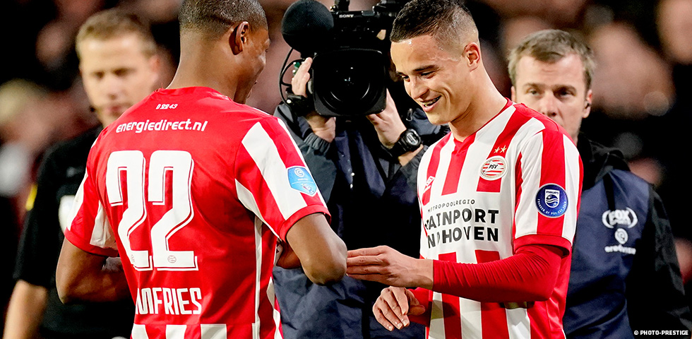 Afellay receives standing ovation on comeback