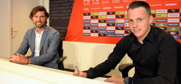 Daverveld signs a new contract with PSV until 2022