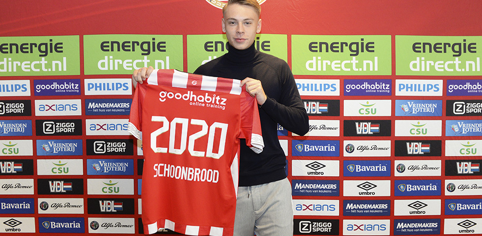 Robin Schoonbrood signs new PSV contract until 2020