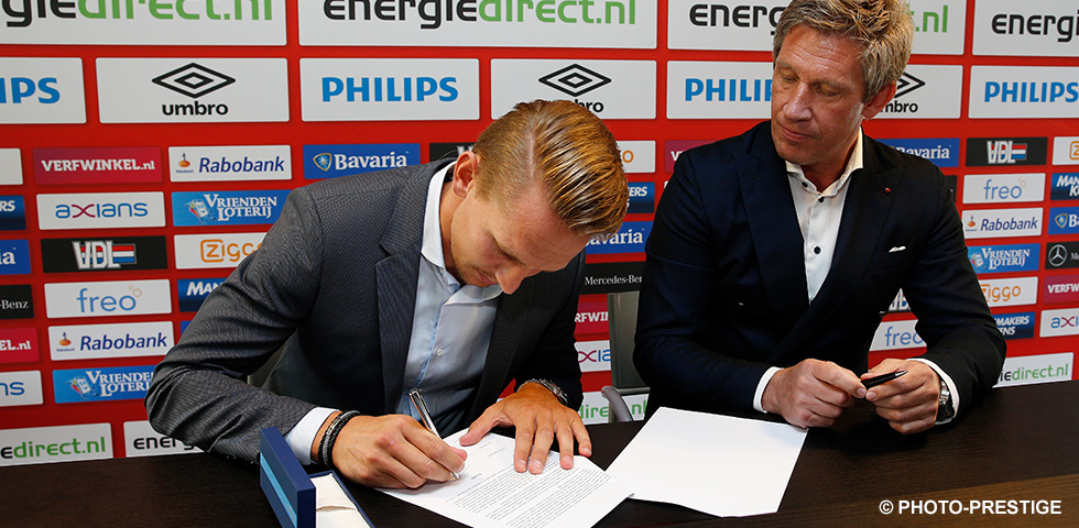 De Jong extends contract with PSV until 2020