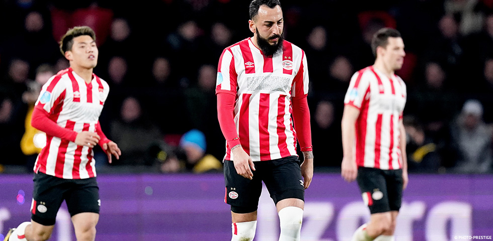 10-man PSV held to a 1-1 draw with FC Twente