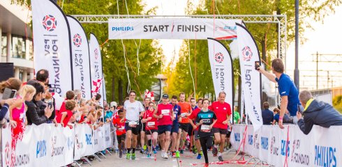 Zamel geld in en loop de PSV Foundation Run