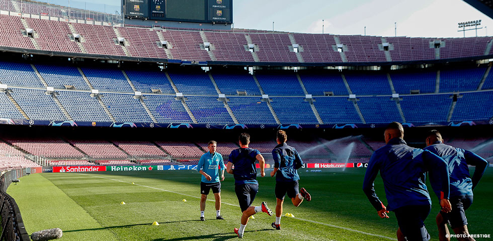 IN BEELD | PSV traint in Camp Nou