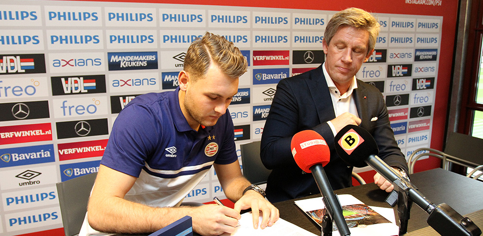 Zoet and De Wijs sign new contracts with PSV