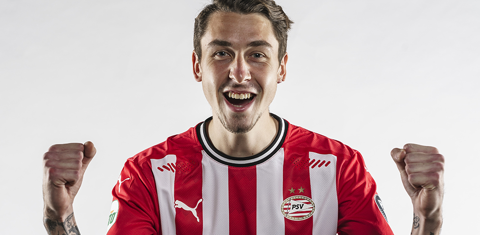 Adrian Fein joins PSV on loan