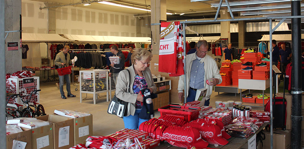 cdc2ad4d283 PSV.nl - PSV FANstore outlet geopend
