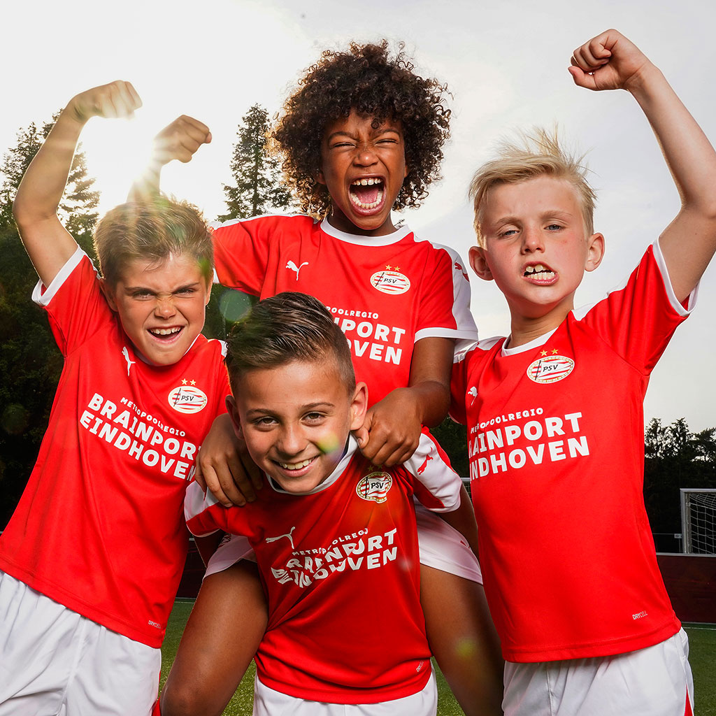 PSV Soccer School On Tour